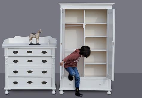 willkommen im babyzimmer kinderzimmer wickelkommoden antik und weitere shabby chic m bel im. Black Bedroom Furniture Sets. Home Design Ideas
